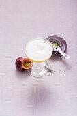 Maracuja-Mocktail mit Thymian (alkoholfrei)