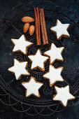 Cinnamon stars on a wire rack