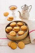 Apple biscuits with lemon zest
