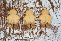 Gingerbread men with cocoa powder