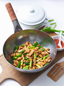 Stir-Fried Almond and Chilli Chicken