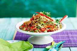 Edd noodle salad with wombok (Asia)