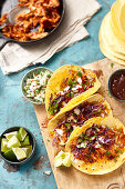 Tacos with pulled chicken