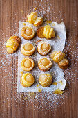 Pear balls on puff pastry
