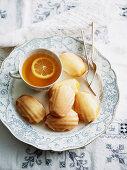 Madeleines mit Vanille und Zitronenglasur zum Tee