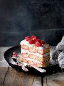 Powdering of sweet berry and cream cake