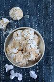 Marzipan biscotti with icing sugar