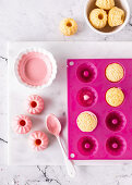 Mini lemon and yoghurt Bundt cakes