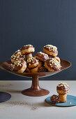 Mushroom-shaped cakes