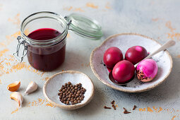 Beetroot juice for marinating and colouring hard-boiled eggs
