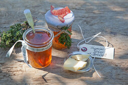 Thyme jelly with apple juice