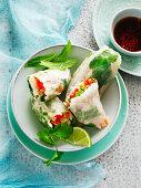 Rice paper chicken rolls