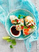 Rice paper prawn roll
