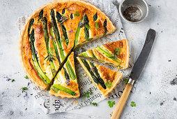 Green asparagus quiche, sliced