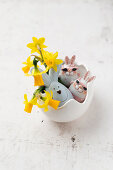 Easter bunnies and daffodils