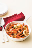 Carrot and onion medley with fennel seeds and thyme