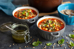 Tomato soup with chickpeas