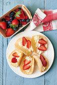 Strawberry Sponge Cakes