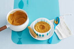 Carrot, White Bean and Salmon Puree for babies (6-9 Months)
