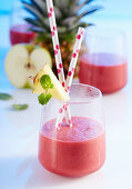 Beetroot and pineapple smoothie