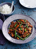 Aubergines with minced meat and green beans (China)