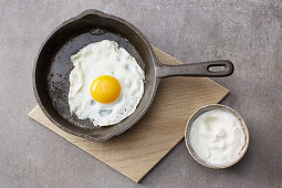 A fried egg as a protein component for bowls