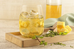 Sweet mint infusion with pineapple and limes