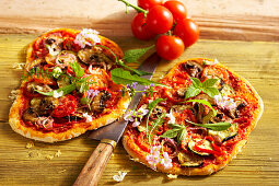 Vegetable flatbread with peppers, zucchini and wild herbs