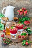 Erdbeer-Müsli-Parfait