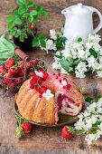 Hefekuchen mit Erdbeeren