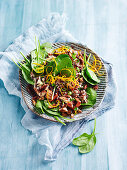 Wild rice salad with spinach and figs