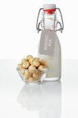 Hazelnut milk and hazelnuts