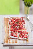 Pistachio and strawberry cake