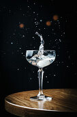Dry martini with splashes