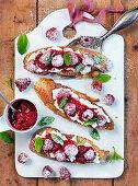 Bruchetta with cream cheese and mashed raspberries