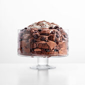 Brownie trifle with sour cherries and cream