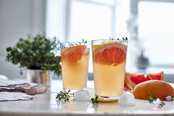 Lemonade with pink grapefruit and thyme