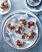 Tarts with coriander, beetroot and bacon jam