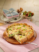 Savoy cabbage quiche with ham