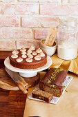 Buchweizen-Schoko-Torte und Zucchini-Nuss-Kuchen (glutenfrei)