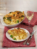 'Pasta and Cheese' casserole with cream cheese, broccoli and cauliflower
