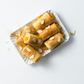Caramelised apple rolls
