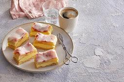 Puff pastry cream slices