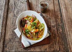 Savoy cabbage stew with bacon