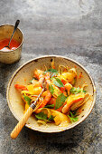 Fennel and pineapple salad with shrimps and a clementine dressing