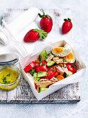 Shake-It tuna and tomato salad 'to go'