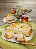 Cheesecake with apple and whipped cream