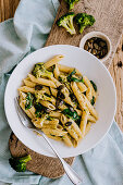 Vegeterian penne with spinach, Broccoli and punpkin seeds