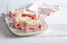 Strawberry cream slices with puff pastry
