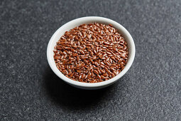 Flaxseed for the production of cooking oil